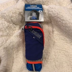 New-CamelBak Ultra Handheld Chill Quick Stow Flask